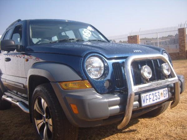 2005 Jeep Cherokee 3.7 Sport At  Gauteng Roodepoort_0