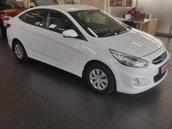 2015 Hyundai Accent 1.6 Gls At  Gauteng Rivonia_0