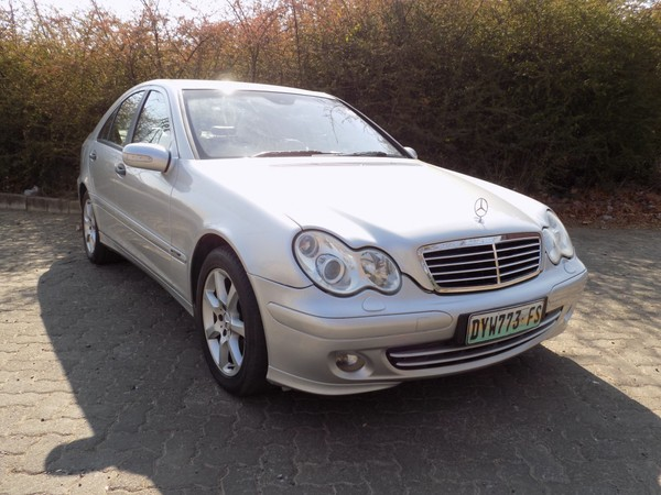 2004 Mercedes-Benz C-Class Mercedez Benz C200 AT Gauteng Randburg_0