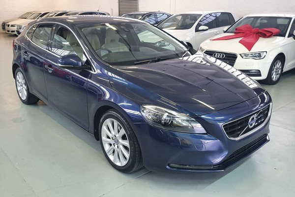 2013 Volvo V40 T3 Essential  Western Cape Maitland_0