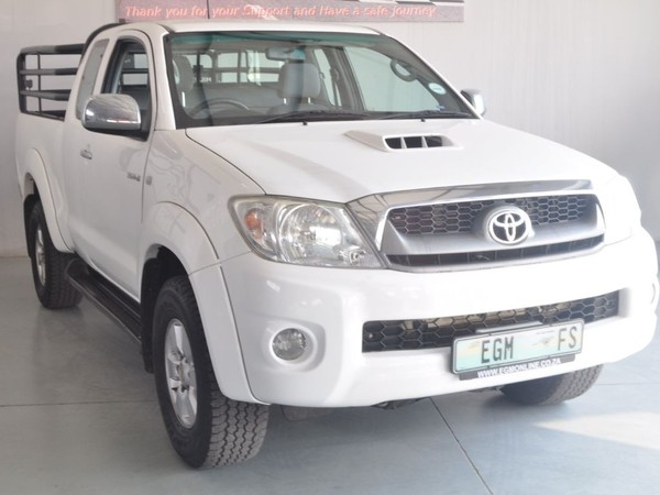 2011 Toyota Hilux 3.0d-4d Raider Xtra Cab Pu Sc  Free State Bloemfontein_0