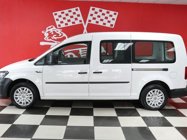2016 Volkswagen Caddy Maxi 2.0tdi 81kw Crewbus Pv  Free State Bloemfontein_0