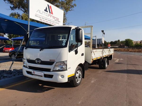 2015 Hino 300 915 Lwb ba3 Fc Cc  full service history  Gauteng Centurion_0