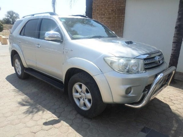 2010 Toyota Fortuner 3.0d-4d Rb 4x4  Limpopo Messina_0
