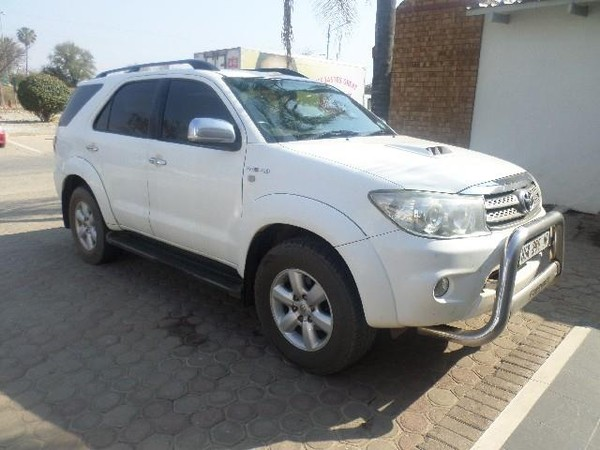 2011 Toyota Fortuner 3.0d-4d Rb 4x4  Limpopo Messina_0