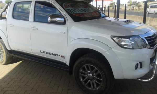 2015 Toyota Hilux 3.0 D-4D LEGEND 45 4X4 Double Cab Bakkie Northern Cape Kimberley_0