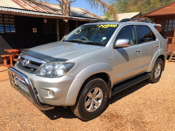 2007 Toyota Fortuner 4.0 V6 Raised Body  Gauteng Magalieskruin_0