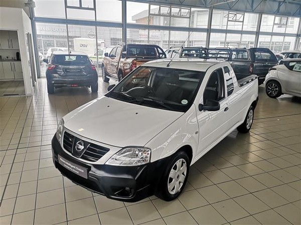 2015 Nissan NP200 1.5 Dci  Ac Safety Pack Pu Sc  Eastern Cape East London_0