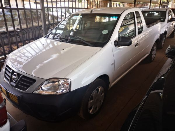 2013 Nissan NP200 1.6 S Pu Sc manualpetrol 4701 Gauteng Pretoria_0