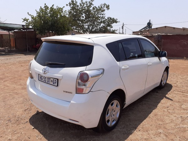 2010 Toyota Verso 1.6 S  Gauteng Pretoria_0