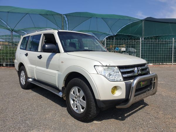 2008 Mitsubishi Pajero 3.2 Di - Dc Glx  At  North West Province Rustenburg_0