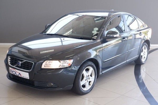 2010 Volvo S40 2.0 Powershift  Western Cape Somerset West_0