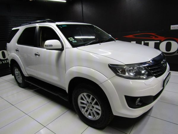 2011 Toyota Fortuner 4.0 v6 rb at - R4 750 pm Gauteng Boksburg_0