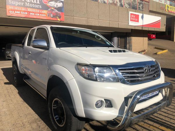 2012 Toyota Hilux 2012 TOYOTA HILUX 3.0D4D EXTRA CAB  MANUAL DIESEL Gauteng Bramley_0