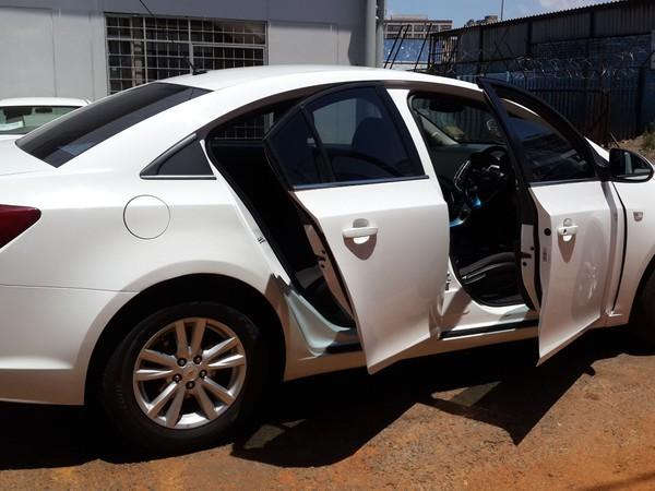 2015 Chevrolet Cruze 1.6 LS Gauteng Johannesburg_0