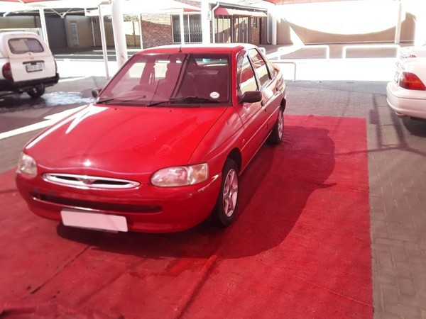 1998 Ford Escort 1.4i Hb quartz  Gauteng Vereeniging_0
