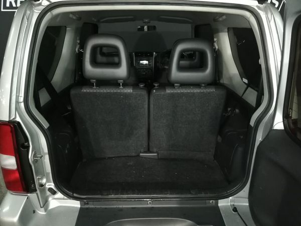2011 Suzuki Jimny 1.3  Western Cape Claremont_0