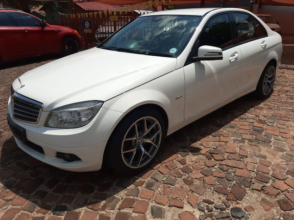2011 Mercedes-Benz C-Class C200 Cgi Be Classic At  North West Province Hartbeespoort_0