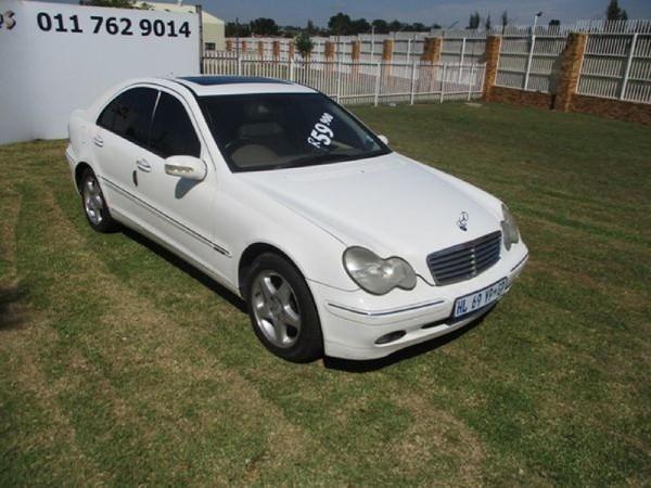 2001 Mercedes-Benz C-Class C 200k Elegance At  Gauteng Roodepoort_0