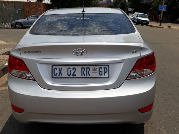 2014 Hyundai Accent 1.6 Fluid 5-Door Gauteng Jeppestown_0