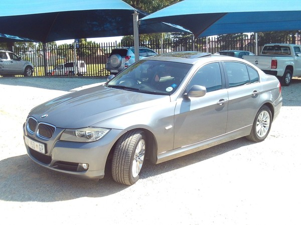 2010 BMW 3 Series 323i Exclusive At e90  Gauteng Roodepoort_0