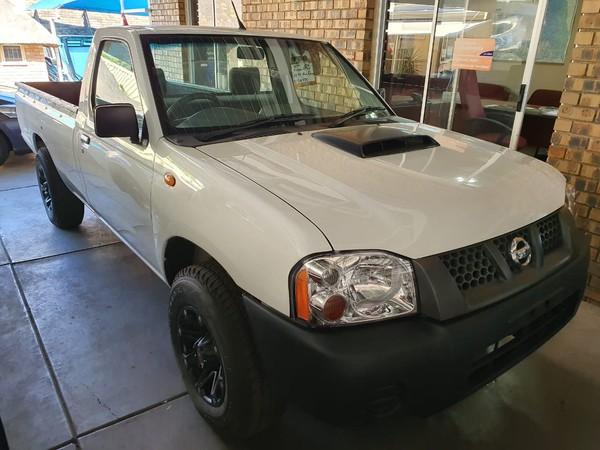 2016 Nissan NP300 Hardbody 2.5 TDi LWB Single Cab Bakkie Limpopo Polokwane_0