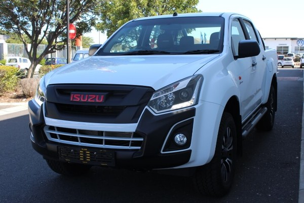 Used Isuzu D-MAX 250 HO X-Rider Auto Double Cab Bakkie for ...