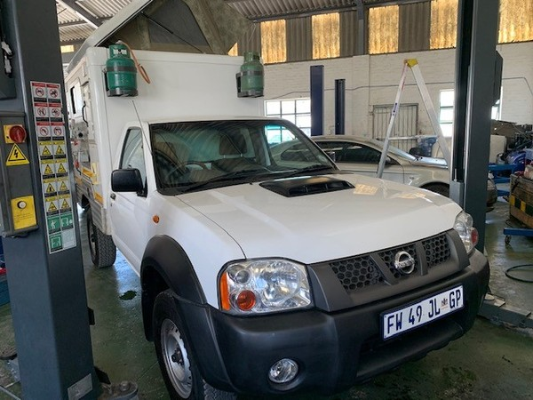 2015 Nissan NP300 Hardbody 2.5 TDi LWB 4X4 Single Cab Camper Western Cape Paarl_0