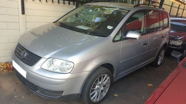 2005 Volkswagen Touran 2.0 Tdi Dsg  Gauteng Springs_0