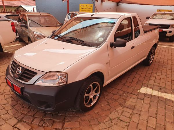 2015 Nissan NP200 1.6  Ac Safety Pack Pu Sc  North West Province Hartbeespoort_0