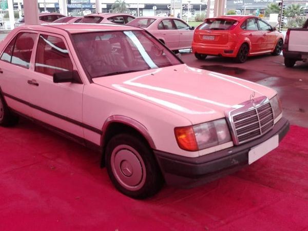 1992 Mercedes-Benz E-Class 200 E Ac  Gauteng Vereeniging_0