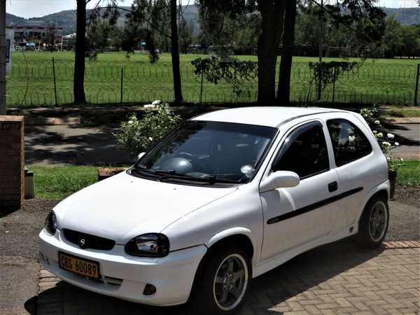 2001 Opel Corsa 1.6 Gsi Ac Ps Cd  Gauteng Pretoria_0