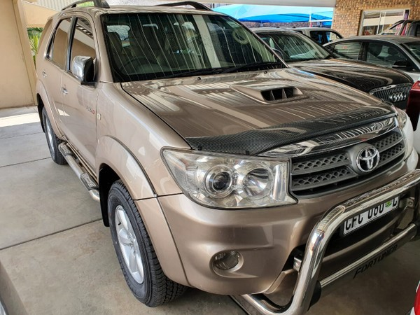 2010 Toyota Fortuner 3.0d-4d Rb  Limpopo Polokwane_0
