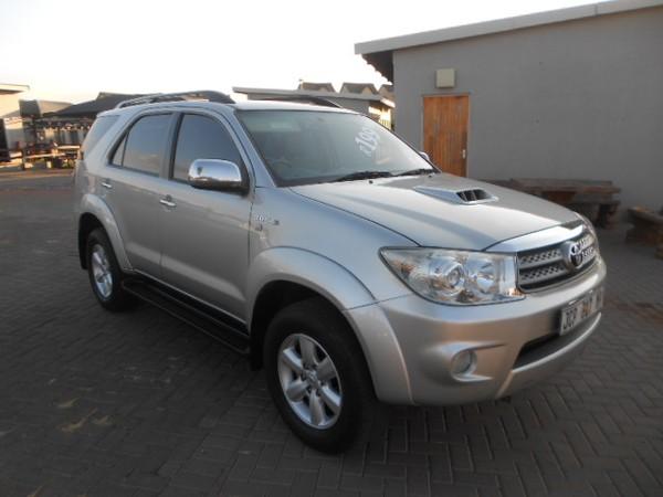 2010 Toyota Fortuner 3.0d-4d Rb  Gauteng Pretoria_0