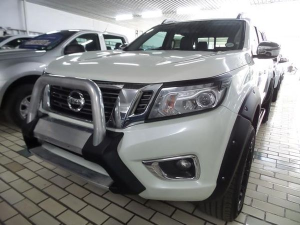 2017 Nissan Navara 2.3D LE 4X4 Auto Double Cab Bakkie Free State Bloemfontein_0