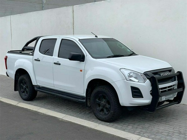 2017 Isuzu KB Series 300 D-TEQ LX Extra Cab Bakkie Western Cape Table View_0