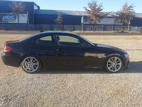 2009 BMW 3 Series 325i Coupe At e92  Gauteng Lenasia_0