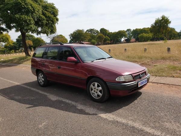 1997 Opel Astra 200i E Ac Abs  Gauteng Pretoria West_0
