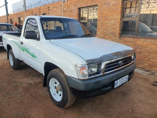 2001 Toyota Hilux 2400d Swb Pu Sc  Mpumalanga Mpumalanga_0