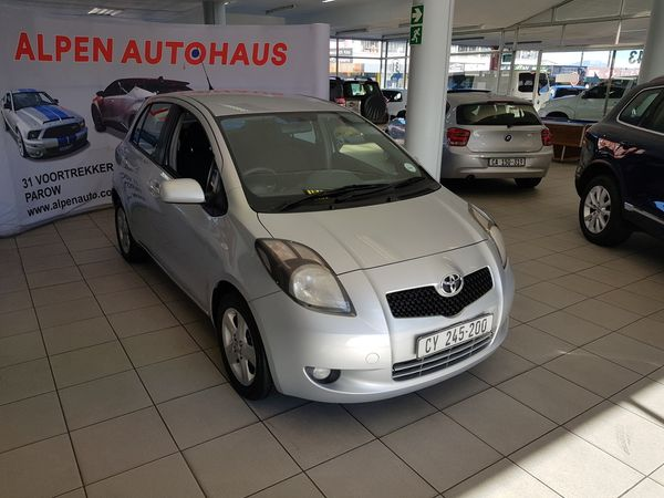 2007 Toyota Yaris T3 Spirit At 5dr  Western Cape Parow_0