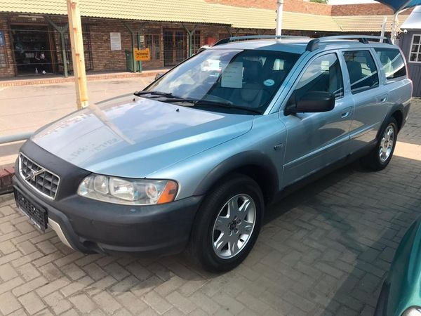 2005 Volvo XC70 At  North West Province Hartbeespoort_0