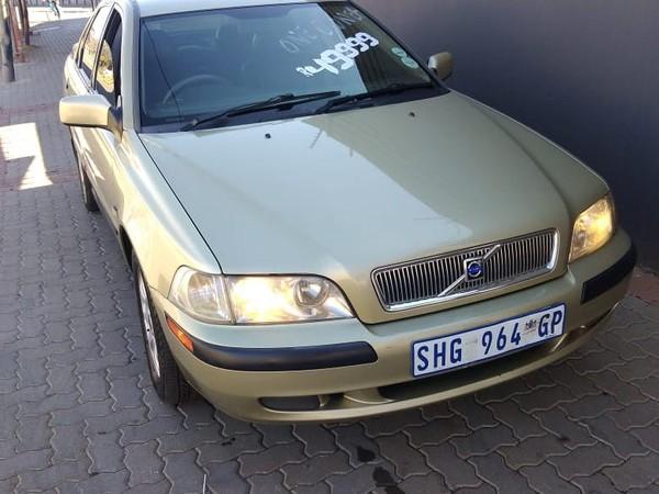 2002 Volvo S40 2.0 Flift  Gauteng Johannesburg_0