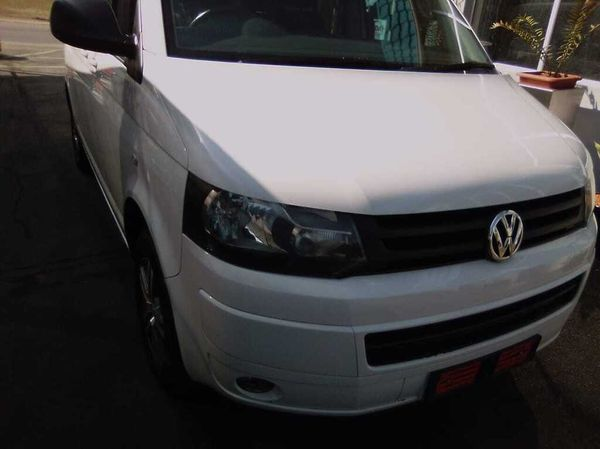 2015 Volkswagen Kombi 2.0 TDi DSG 103kw Comfortline Gauteng Pretoria_0