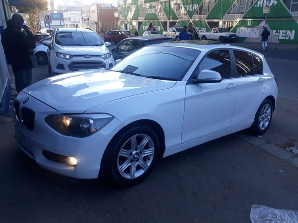 2013 BMW 1 Series 118i Sport Line 5dr At f20  Gauteng Jeppestown_0