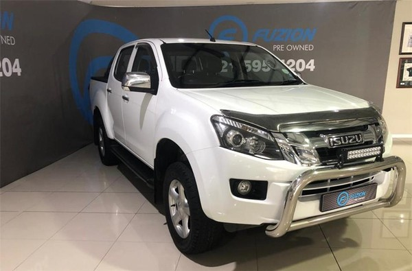 2014 Isuzu KB Series 300 D-TEQ LX Double cab Bakkie Auto Western Cape Goodwood_0
