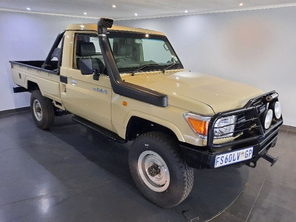 2011 Toyota Land Cruiser 79 4.2d Pu Sc  Gauteng Pretoria_0