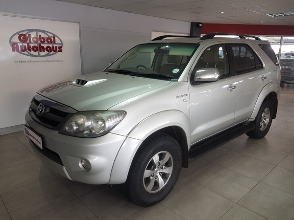 2008 Toyota Fortuner 3.0d-4d Raised Body  Gauteng Roodepoort_0
