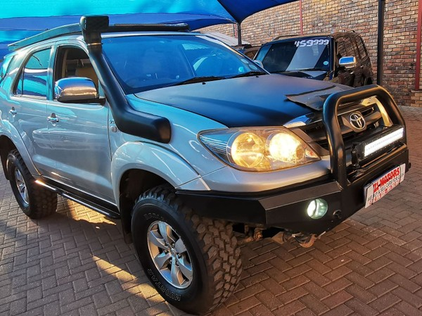 2006 Toyota Fortuner 4.0 V6 At 4x4  North West Province Brits_0