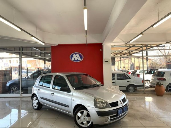 2005 Renault Clio 1.4 Expression At  Gauteng Vereeniging_0