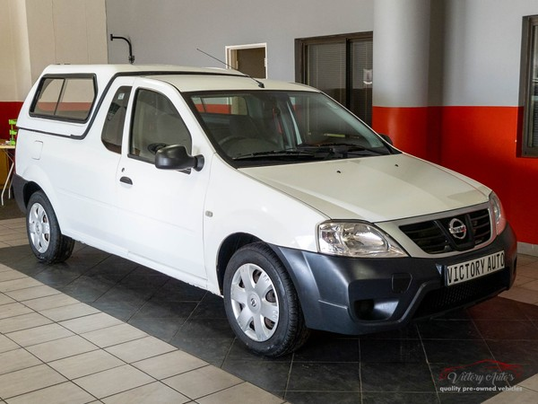 2014 Nissan NP200 1.6 Safety pack AC and 118000km Western Cape Brackenfell_0